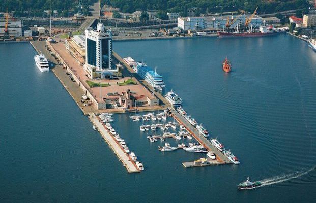 SOCAR рассматривает перевалку партий карбамида через Одесский порт