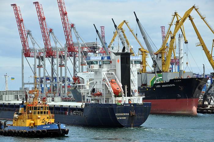 Морпорты за 8 месяцев перевалили около 85 млн т груза