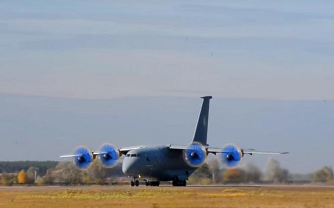 ГП «Антонов» представил новый самолет Ан-77 без российских комплектующих