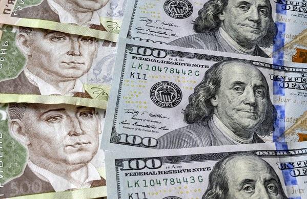 Гривна стала лидером по темпам укрепления к доллару