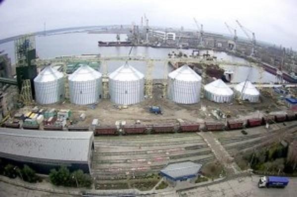 На терминале НИБУЛОНа впервые установят силосы емкостью 7,2 тыс. т