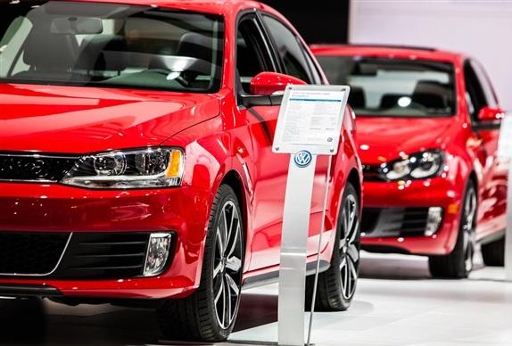 В Украине продажи новых авто упали почти на 7%