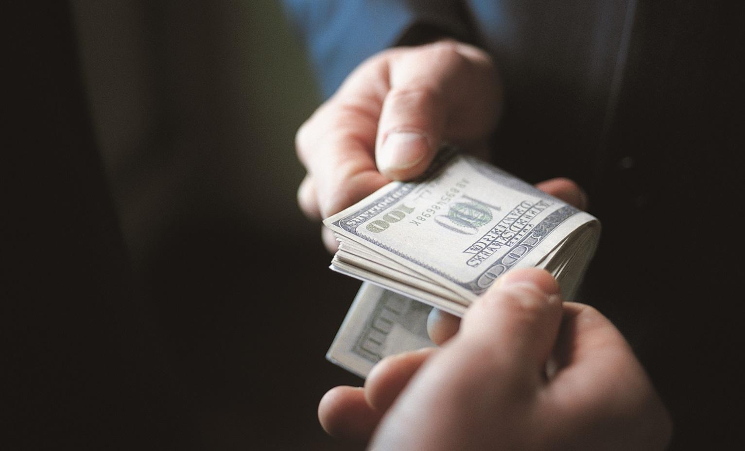 Налоговая служба, таможня и Агентство земельных ресурсов возглавляют коррупционный антирейтинг