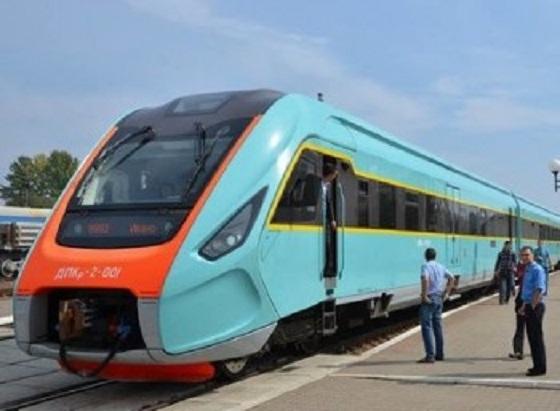 «УЗ» объявила повторный тендер на покупку 6 региональных дизель - поездов