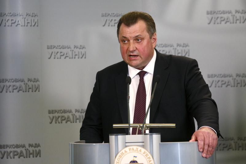 Кабмин уволил главу ГФИ, обвинявшего Яценюка в коррупции