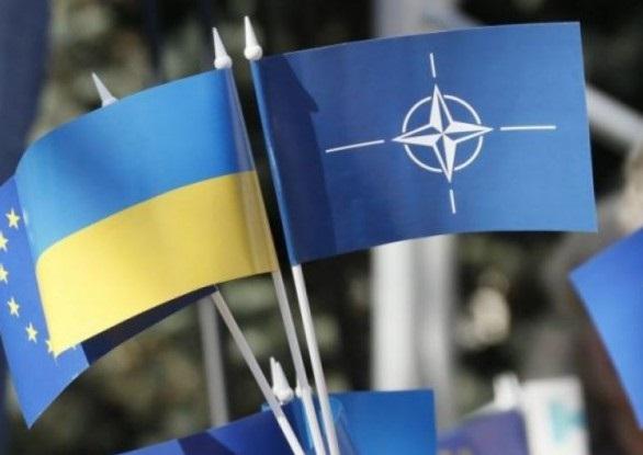 КСУ получил обращение Рады о закреплении в Конституции курса на НАТО
