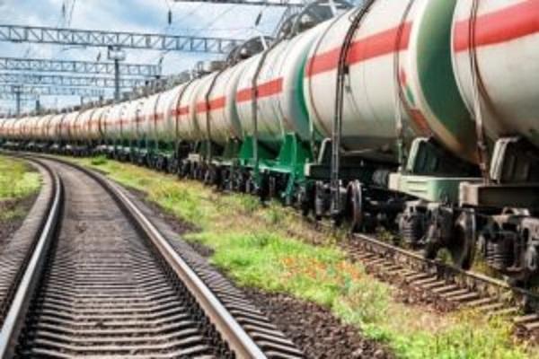 Расширенные санкции против российских компаний вступили в силу: «УЗ» начала блокировать цистерны с российским автогазом