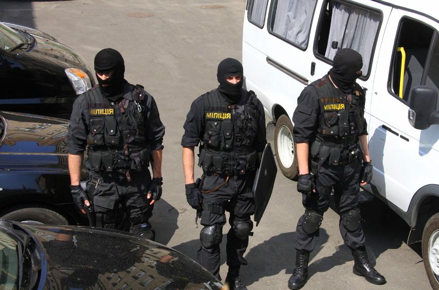 Аваков отправит на выборы в Чернигов спецгруппу