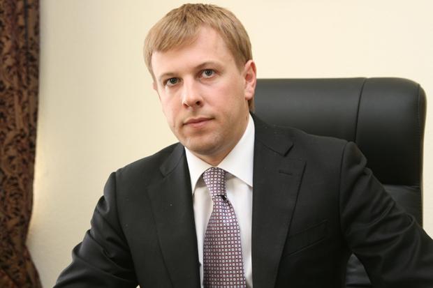 Фонд Хомутынника купил 5% акций холдинга