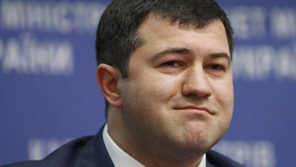 Эксперт: Глава ГФС Роман Насиров выполняет указание рейдеров с целью захвата сети АЗС