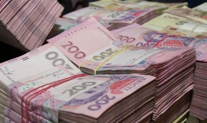 С топ-менеджеров собираются дополнительно взимать ЕСВ на 5 млрд грн
