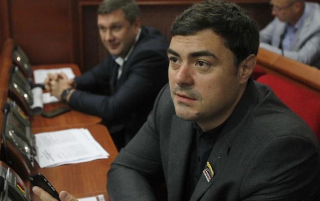 Земельная комиссия Киевсовета еще не бралась за скандальную стройку на Вышгородской