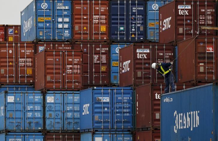 Дефицит внешней торговли вырос до $3,8 млрд