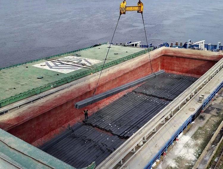 «Нибулон» впервые перевез партию металла речным транспортом
