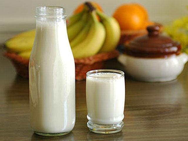Украинцы считают рыночное молоко более натуральным