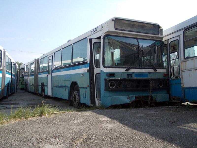 Треть украинских автобусов не имеют права перевозить пассажиров