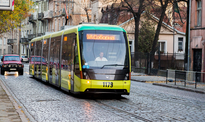 Во львовских трамваях ПриватБанк устанавливает терминалы