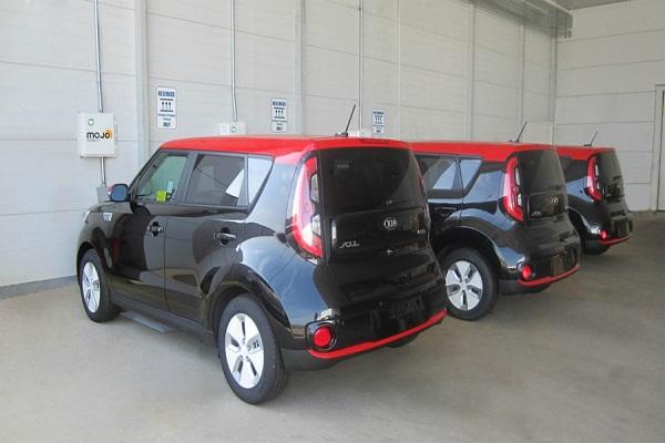 Hyundai и Kia разработали беспроводную зарядку для электромобилей