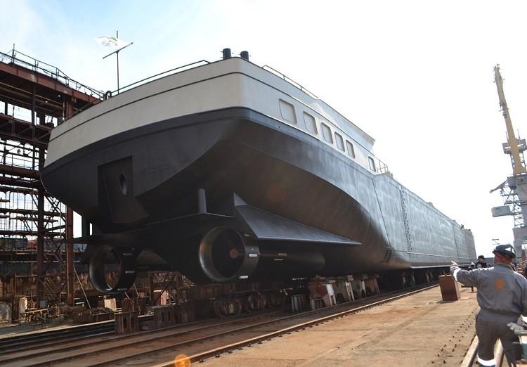 SMG спустила на воду первый танкер для голландской VEKA Group