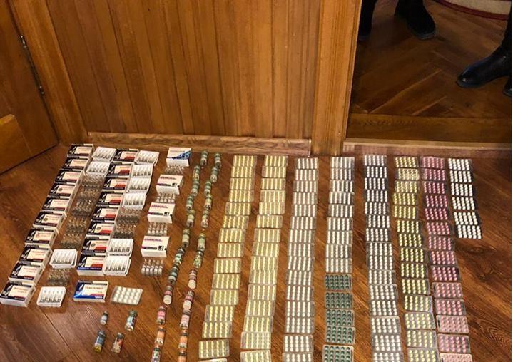 Чиновник ГФС попался на контрабанде сильнодействующих лекарств