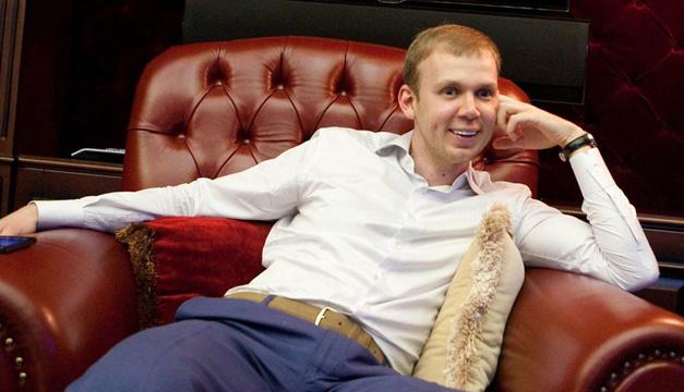 АМКУ оштрафовал беглого Курченко на 15 миллионов