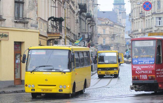 Во Львове предлагают поднять стоимость проезда в маршрутках до 8 гривен