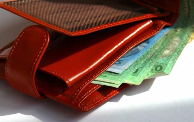 В самых популярных супермаркетах работники получают минимальную зарплату
