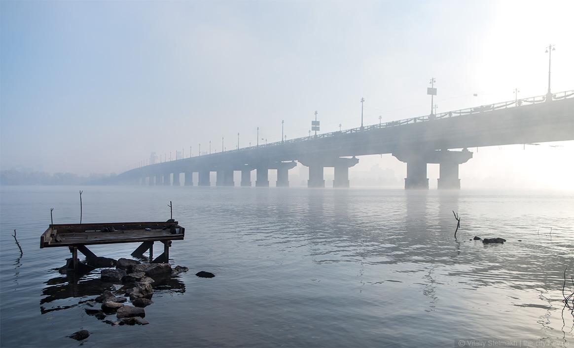 Киевские мосты загружены на 140%
