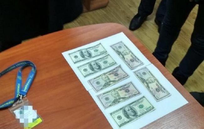 Сотрудник миграционной службы Черкасской области погорел на взятке