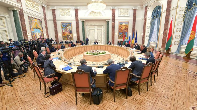 РФ заморозила до выборов переговоры по Украине