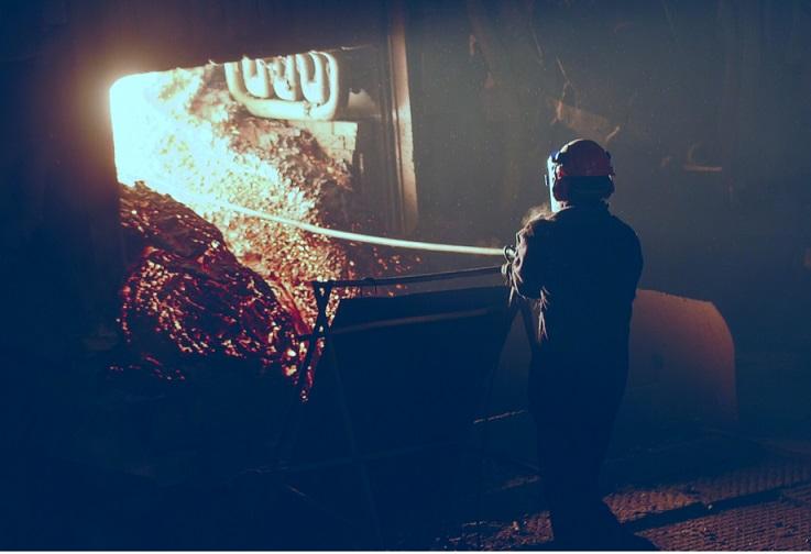 Украинские металлурги в апреле нарастили выпуск чугуна и стали