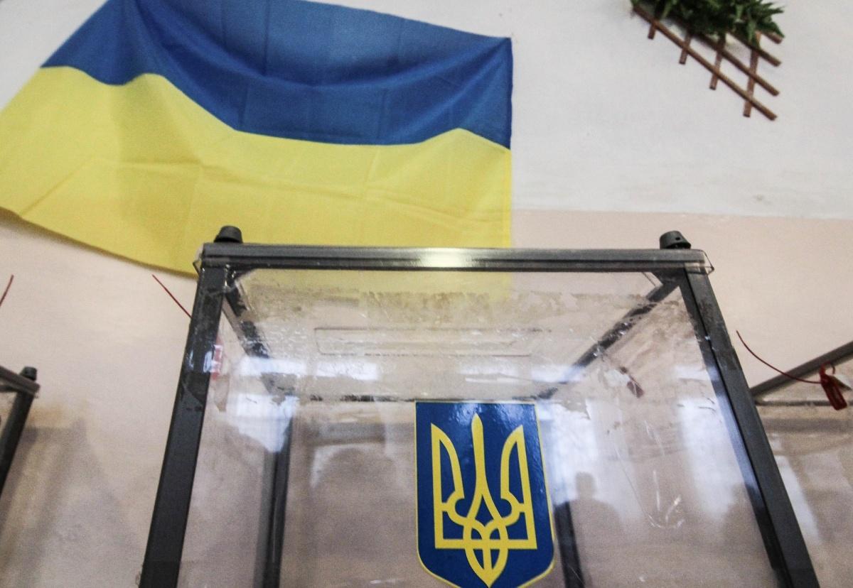 Волкер хочет честных выборов в Украине