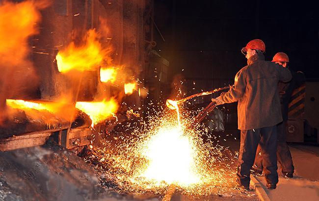 Металлурги нарастили производство чугуна и стали