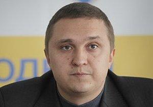Депутат от «Народного фронта» обиделся и отобрал у детишек площадку