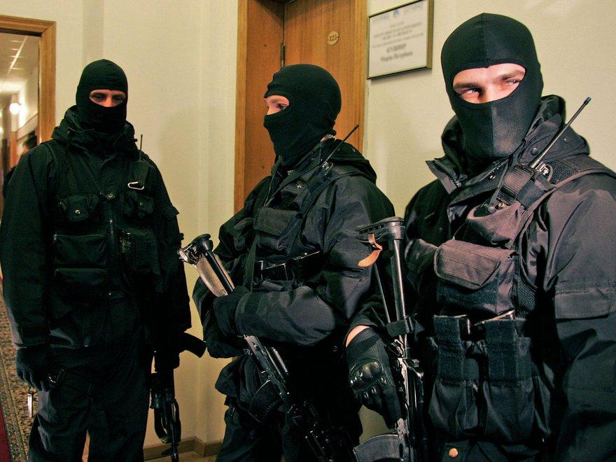 Порошенко подписал земельный антирейдерский закон