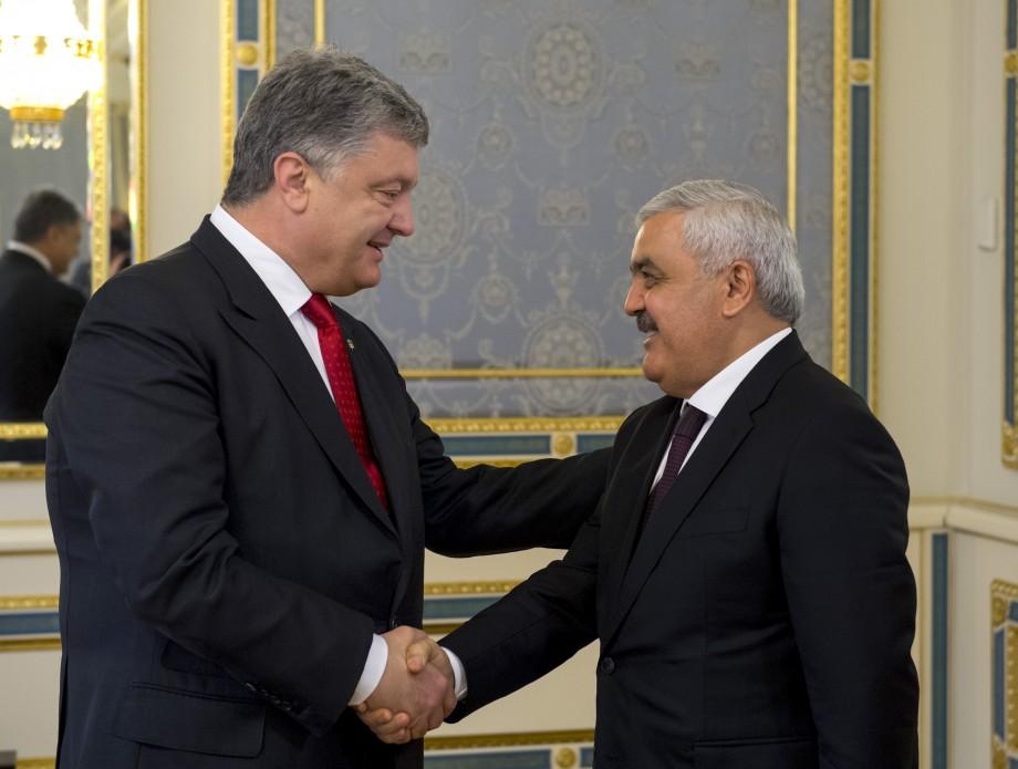 Президент обсудил с главой SOCAR производство авиатоплива