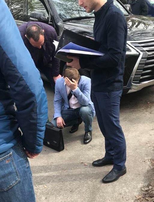 Начальника отдела Львовской железной дороги поймали на взятке