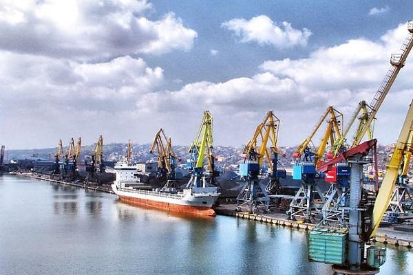 Керченский мост ограничивает прохождение судов в Мариупольский порт