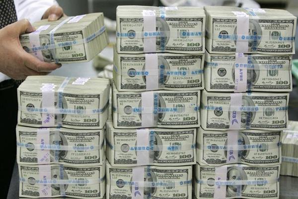 В Киеве у подпольных валютчиков изъяли более 4 млн долларов