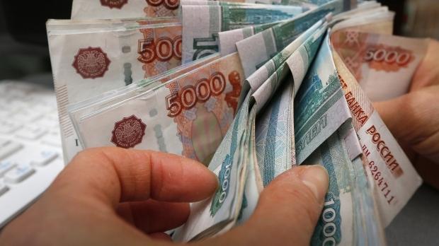 Черный понедельник: обвал рубля и мировых фондовых рынков