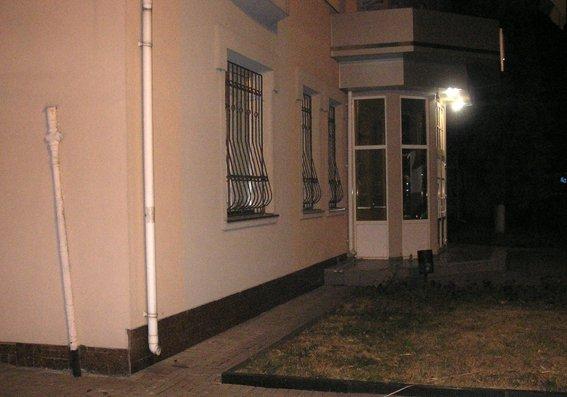 Взрыв в Ровно у здания прокуратуры квалифицировали как теракт