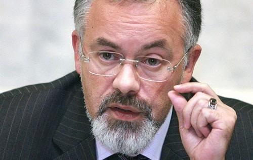 Экс-министр Табачник переписал на Киевщине недвижимость на 77-летнюю мать