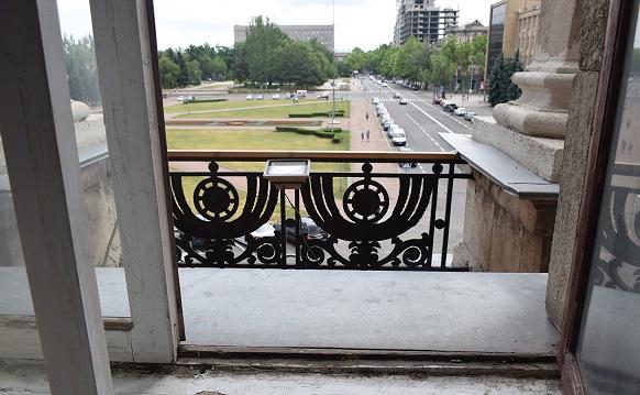 Словно герой-любовник: мэр Николаева испугался вручения протокола о коррупционном нарушении и сбежал через балкон