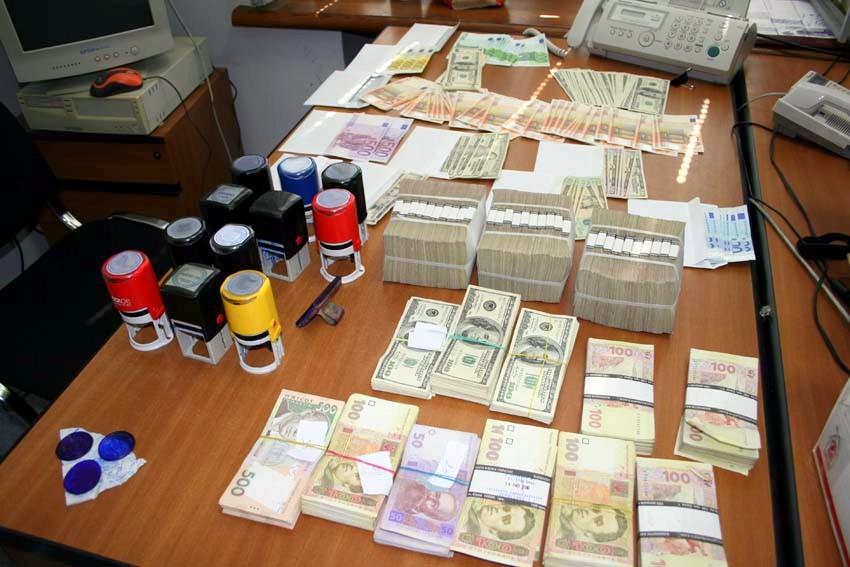 МВД ликвидировало конвертационный центр с годовым оборотом более 1 млрд грн