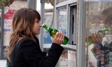 В Украине начал действовать запрет на продажу пива в киосках