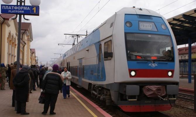 УЗ запустила двухэтажный поезд в Тернополь