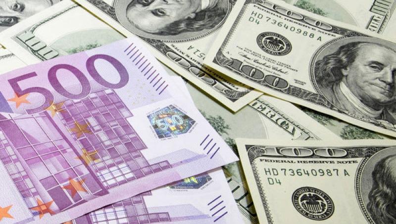 НБУ может постепенно снять валютные ограничения