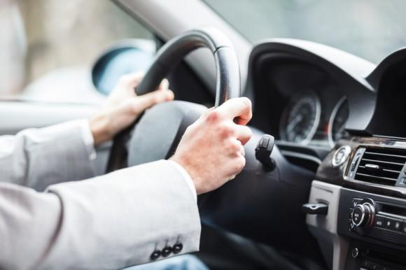 Когда украинским водителям придется пересдавать на права