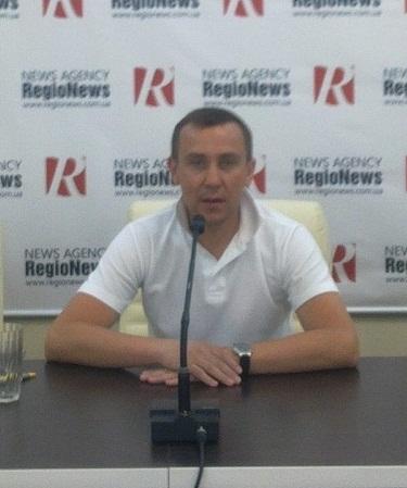 Давление на оппозиционного журналиста Дмитрия Пестова и его преследование продолжаются за пределами Украины