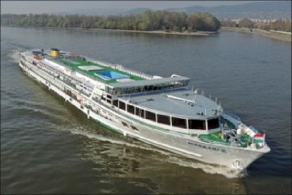 Украинское Дунайское пароходство готовит для украинцев речной круиз «пять европейских столиц» по системе all inclusive